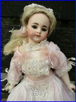 Antique Beautiful Closed Mouth Very Rare Early Simon Halbig 719 Doll 28cm