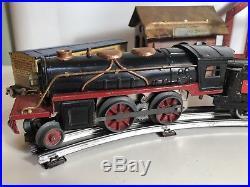 RARE ANTIQUE LIONEL TRAIN SET EARLY 30's RUNS GREAT