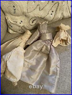 Very Rare 7.75 1840s Pink Tint China Doll On Articulated Wooden Body Early Bun